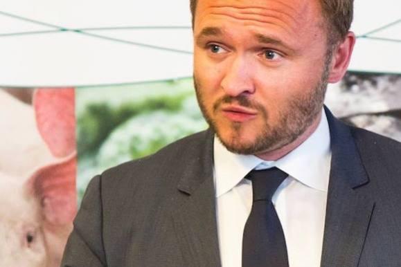 Minister forlader sin modelkæreste! fødevareminister, dan jørgensen, politik