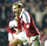 Bendtner kræver 40 mio. kr. i årsløn! Bendtner, fodbold, Zangenberg