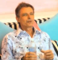 Paradise: Klaus Riskær flytter ind! Klaus Riskær, Paradise, fængsel