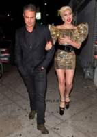 Lady Gaga chokerer! Lady Gaga, no name club, Los angeles, fødselsdag