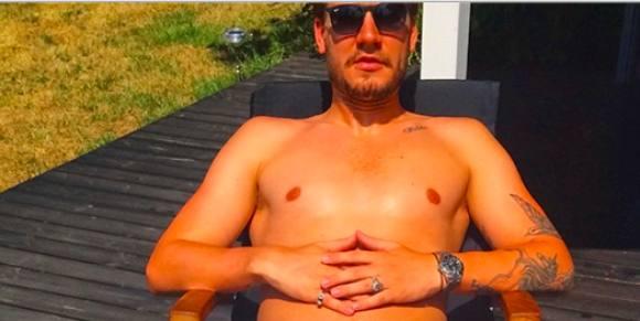 Skandale billede af Nicklas Bendtner ! Nicklas Bendtner, Julie Zangenberg, fodbold,