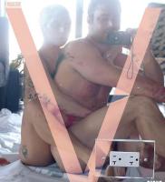 Gaga smider tøjet på ny forside! lady gaga