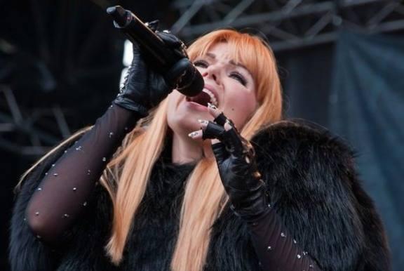 Lina Rafn i gigantisk musik-flop! lina rafn, infernal