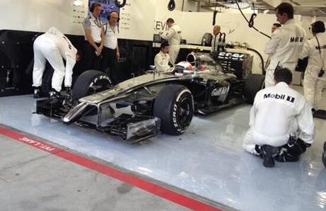 F1: Kevin udgik og Hamilton vandt! Kevin Magnussen, McLaren, Live, tvguide,