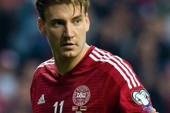 Nicklas Bendtner drejer nøglen om! nicklas bendtner, fodbold