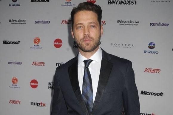 Brandon sur efter Donnas sex-afsløring! tori spelling, jason priestley, beverly hills 90210