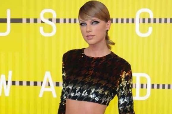 Taylor Swift donerer 1,7 mio. til popstjerne! taylor swift, kesha