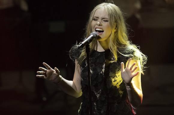Emilie Esther skal optræde med Kylie! emilie esther, x factor, kylie minogue
