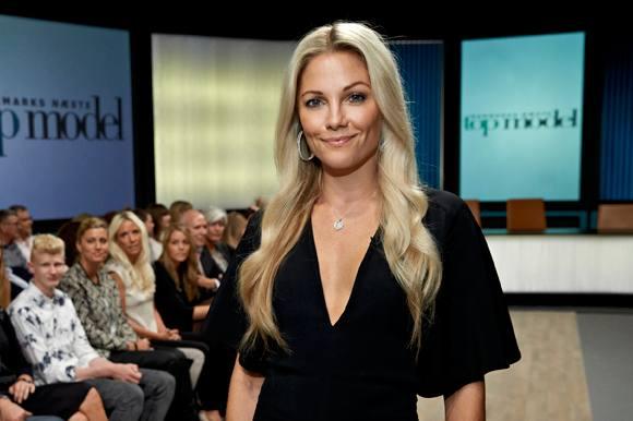 Caroline Fleming viser bikinikroppen! caroline fleming, nicklas bendtner