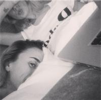 Medina og Zangenberg i seng sammen! Medina, Julie Zangenberg, veninder, bedste, Stockholm