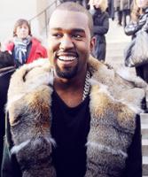Her bryder Kanye sammen i liveshow! kanye west, kim kardashian