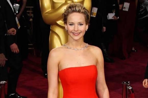Hollywood-babe: Derfor viser jeg bryster! jennifer lawrence, hollywood
