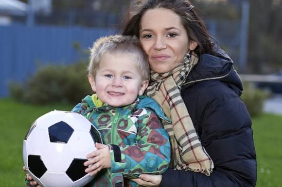 Ung mor scorer kassen på sin blog! amanda sisse, de unge mødre, kanal 4