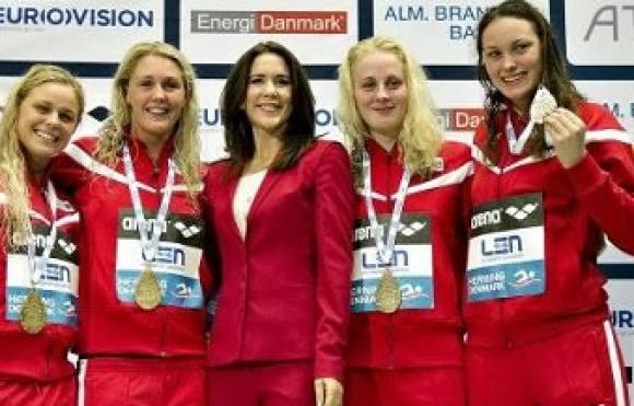 Mary: Vild med svømmepigerne! Mary, EM, Svømning, Jeanette Ottesen