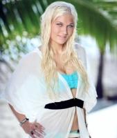 Se Paradise-Pernille i fræk musikvideo! pernille nygaard, paradise hotel