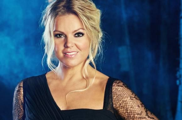Lina Rafn: Alderen gør mig smukkere! lina rafn, x factor