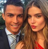 Se billede: Ronaldo med ny dansk model! ronaldo