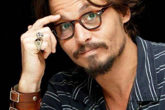 Video: Spritstiv Depp til awardshow! johnny depp, hollywood