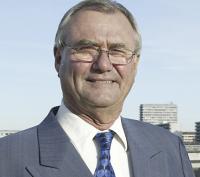 Stenrig: Så meget tjener pensionist-Henrik! Prins Henrik, pension