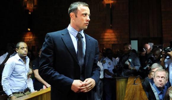 Oscar Pistorius kastede op i retten! Oscar Pistorius, opkast, retsal, morder