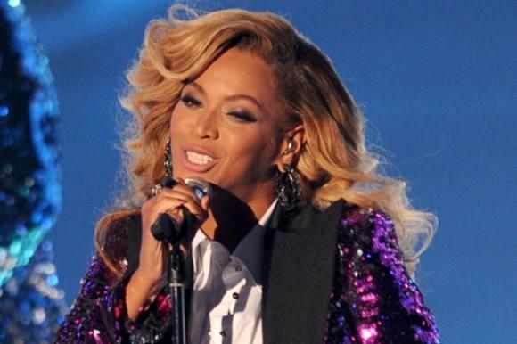 Beyoncé overrasker: Nyt album! Beyoncé, nyt album, Facebook