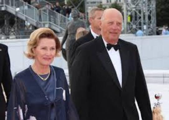 Norsk konge havde hemmeligt forhold i 9 år! kongehus, harald