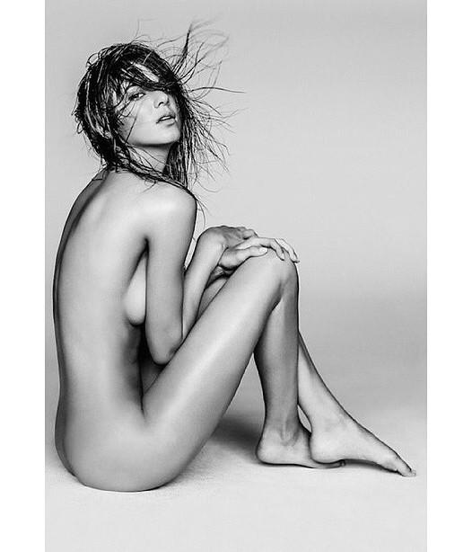 Wow! Kendall Jenner helt afklædt! kendall jenner, kardashian