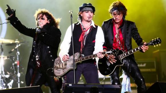 Depp på turné midt i skilsmissedrama! Johnny Depp, Hollywood vampires, amber heard, skilsmisse