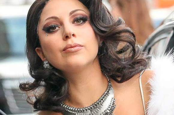 Viser billedet her en gravid Lady Gaga? lady gaga, taylor kinney