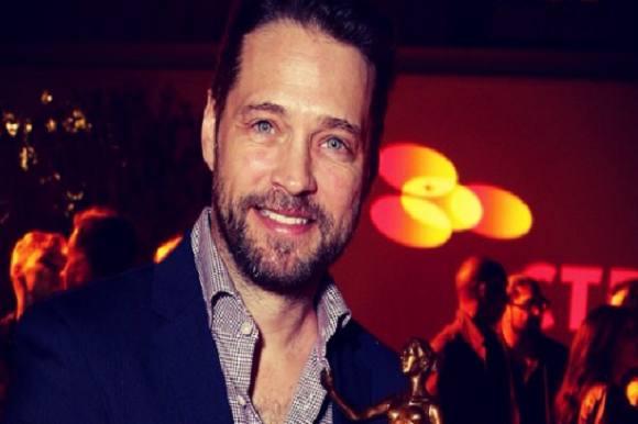 Brandon har hovedrollen i ny serie! Jason Priestly, Brandon Walsh Beverly. Hills 90210, Private Eyes