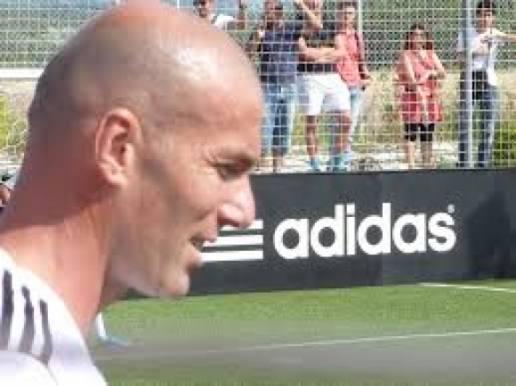 Zidane roser dansk fodbold-legende! peter schmeichel