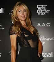 Se Paris Hilton i skræmmende flystyrt! paris hilton