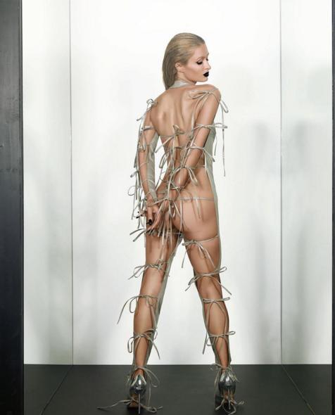 Se foto: Paris Hilton smider kludene! Paris Hilton, Kim Kardashian
