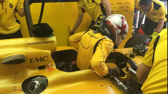 Magnussen slået af Palmer i skandale start på F1 ! magnussen, f1,