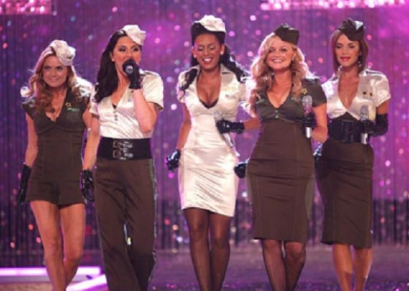 Nu genforenes alle fem Spice Girls! Spice Girls, Melanie Brown, Melanie Chisholm, Emma Bunton, Geri Halliwell, Victoria Beckham