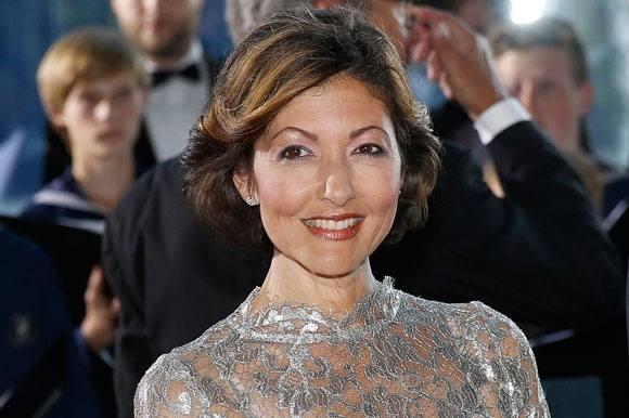 Alexandra scorer millioner på hussalg! Alexandra, grevinde, hussalg, svanemøllevej, villa