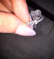 Se Lady Gagas vilde forlovelsesring! lady gaga, taylor kinney