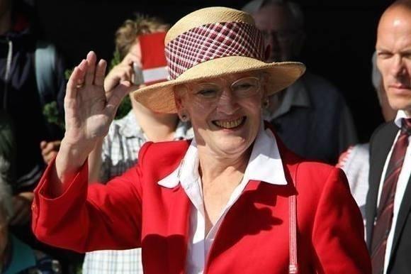 Her køber Margrethe sine julegaver! dronning margrethe