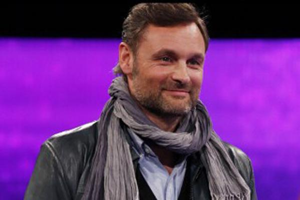 TV2 giver Elming millionjob! Claus Elming, vild med dans, pengene på bordet,