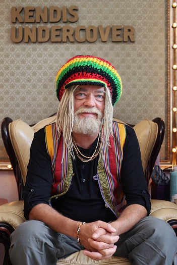 Jes Dorph i rastafari-stil i aften! jes dorph-petersen, kendis undercover,
