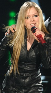 Lavigne forlovet med Kroeger! avril lavigne, chad kroeger, nickelback,