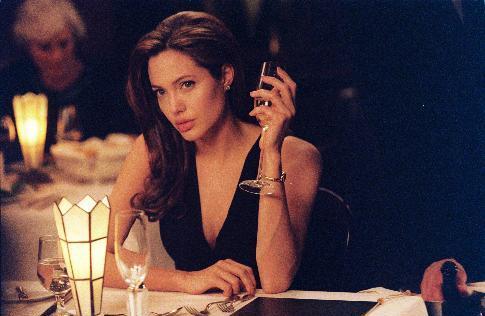 Madonna-kritik fra Angelina Angelina Jolie, Madonna, adoption
