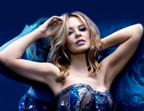 Kylie Minogue viser ballerne frem! kylie minogue,