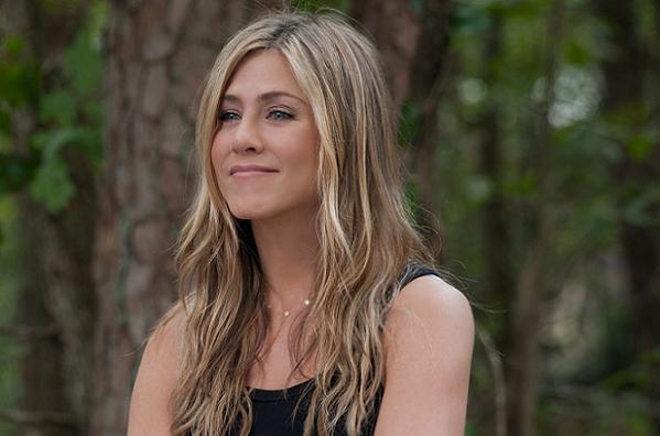 Pitts mor til Anistons bryllup! brad pitt, jennifer aniston,