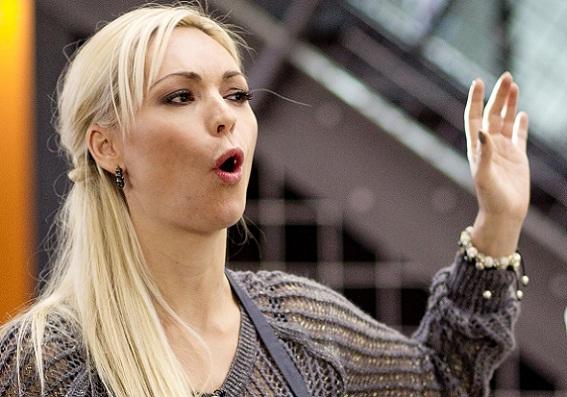 Fremmed betaler for Mascha Vang! mascha vang,
