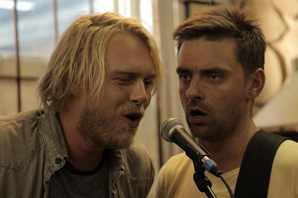 Felix i duet med Simon Kvamm! simon kvamm, felix smith, felix rykker ind,