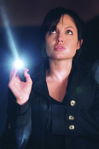 Angelina overvejer karrierestop! angelina jolie,