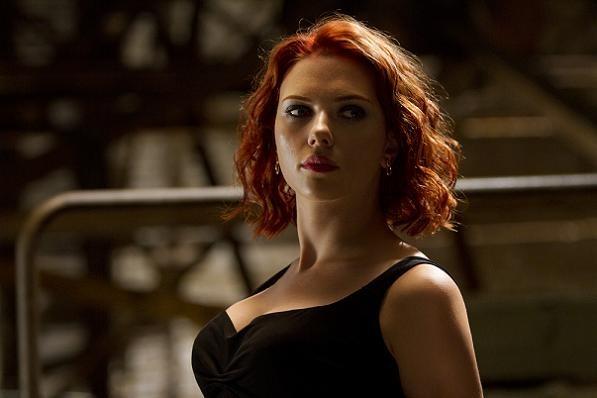 Scarlett Johansson starter pigeband! scarlett johansson,