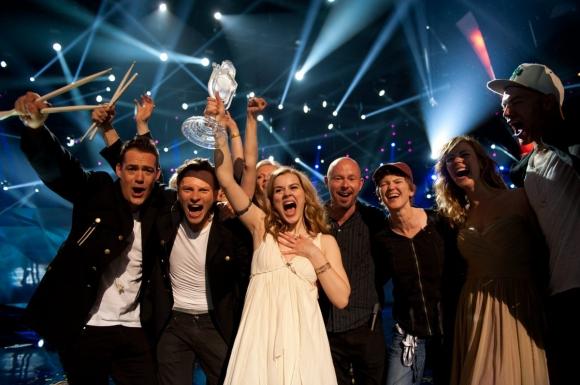 Emmelies musiklærer bekymret! emmelie de forest, eurovision, melodi grand prix,