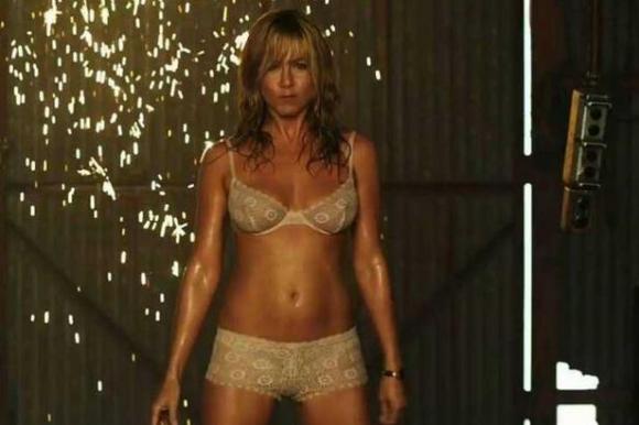 Aniston: Vild med strip! jennifer aniston, were the millers,